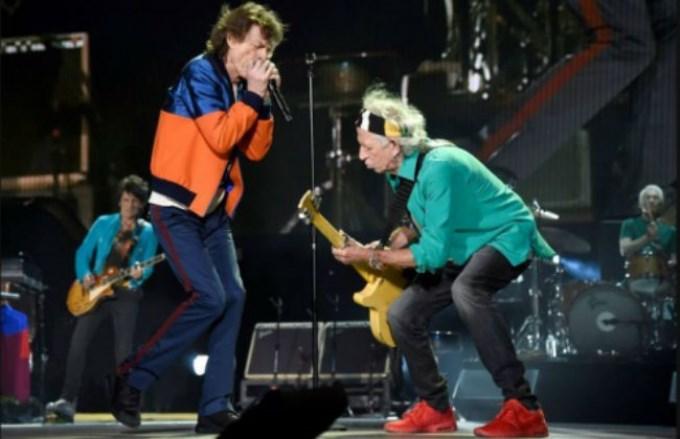 Los Stones versionaron a Los Beatles