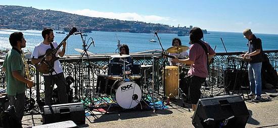 COLA DE ZORRO: Saludos desde Valparaiso